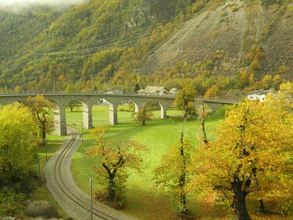 Il viadotto elicoidale in pietra, considerato Patrimonio dell'Unesco.