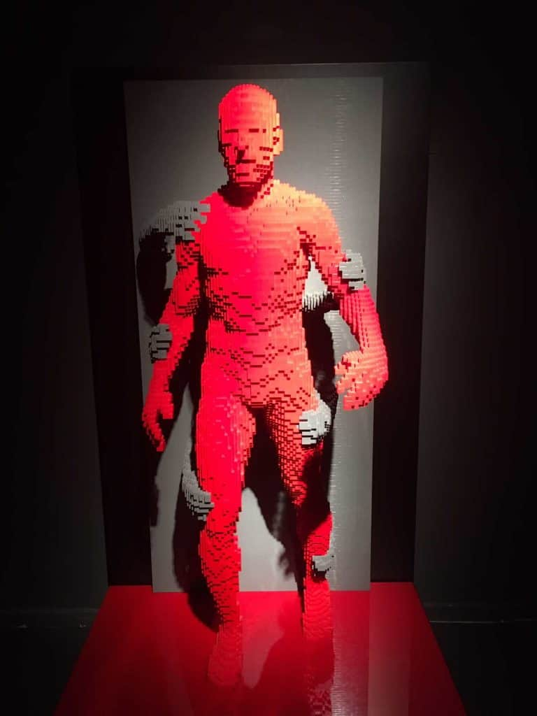 Grasp La stretta The art of the brick