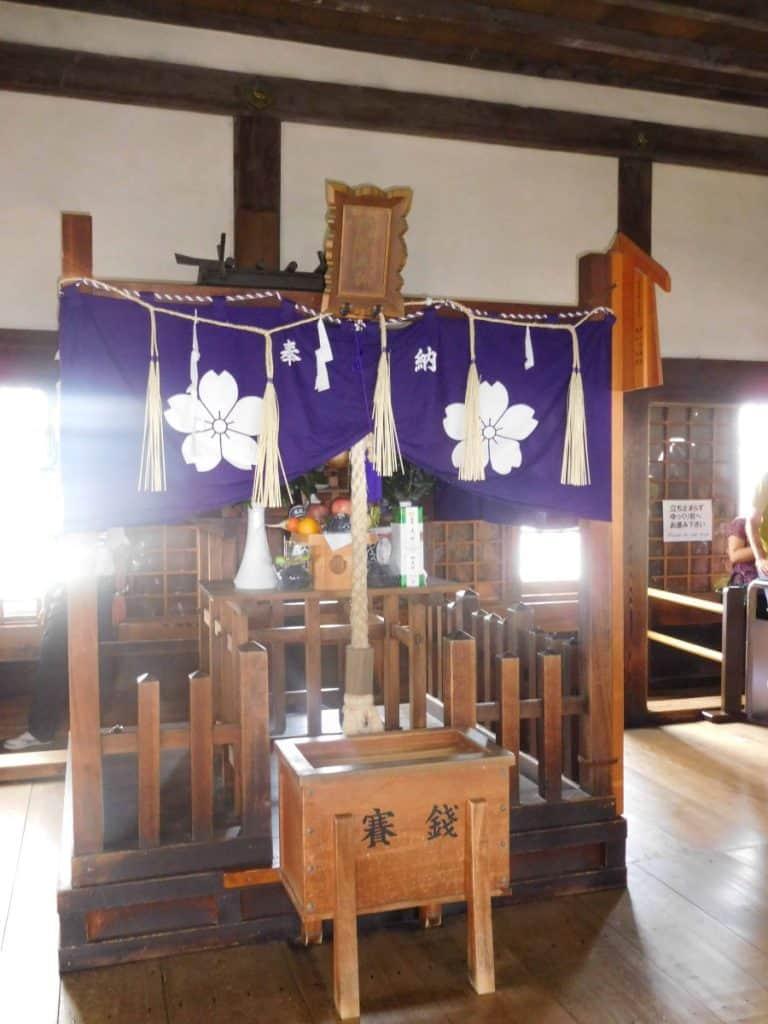 Castello di Himeji altare interno divinità