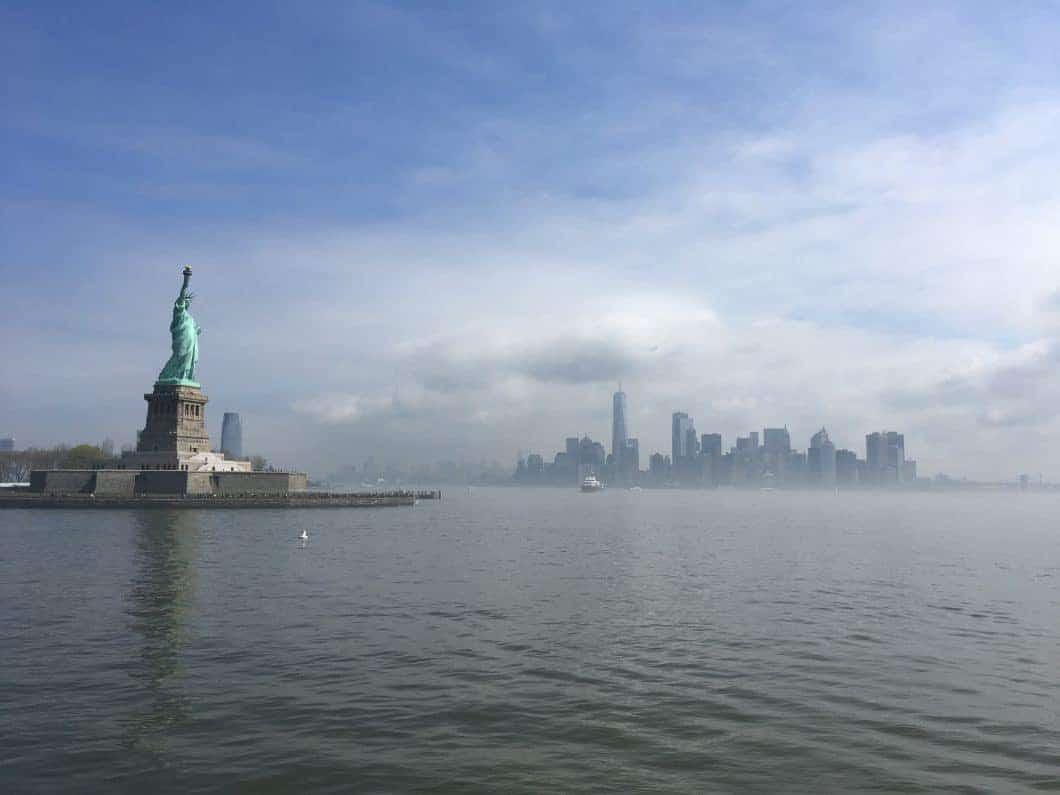 Una Lady avvolta nella nebbia: la Statua della Libertà